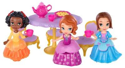 Sofia Speelset theedrinken met vriendinnen
